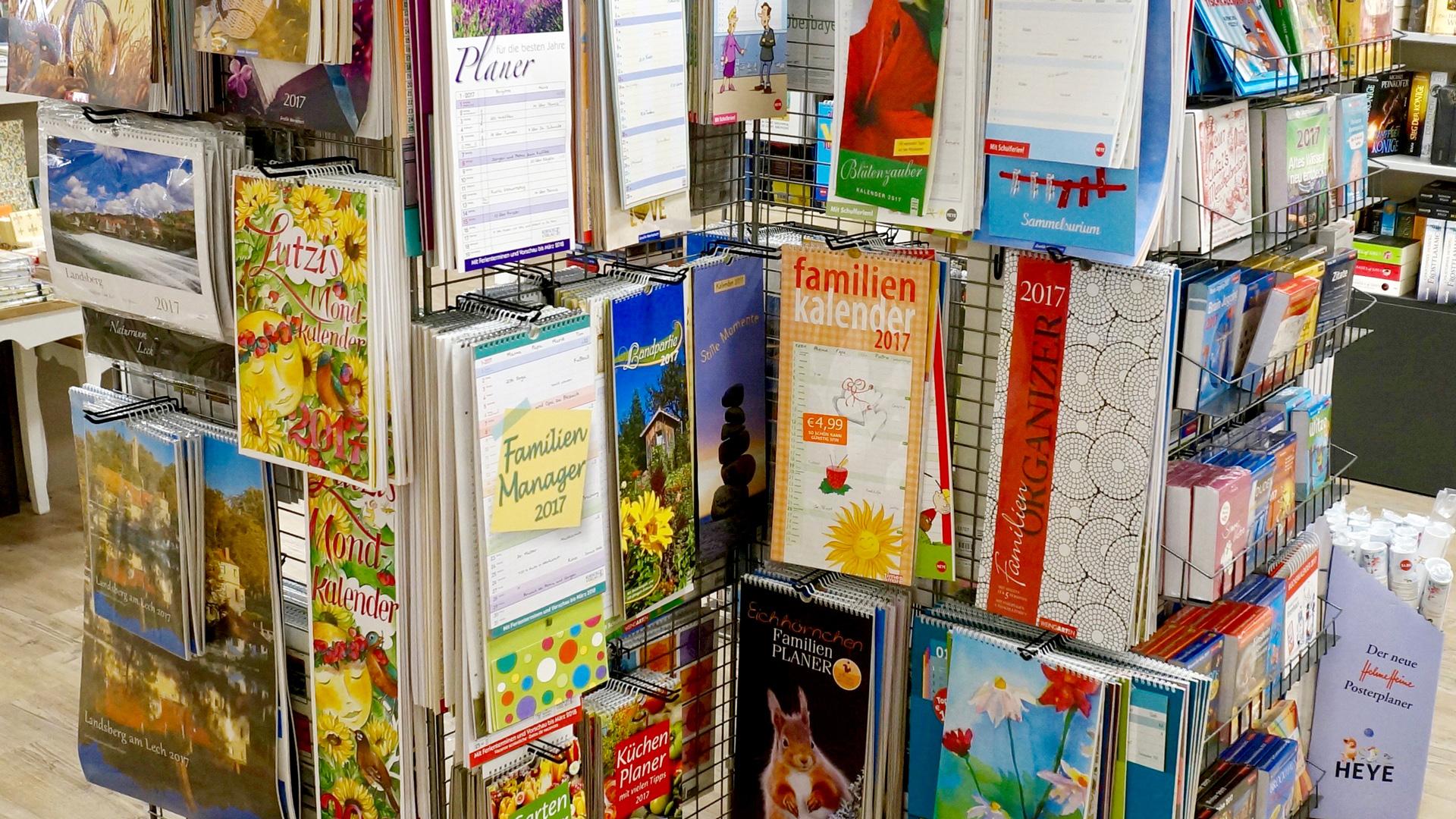 <p><b>Bücher & Kalender</b></p>